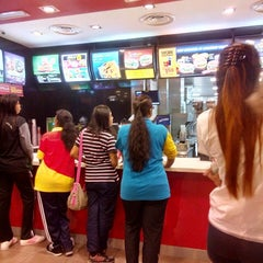 Photo taken at McDonald's by Lingeswari L. on 9/5/2014