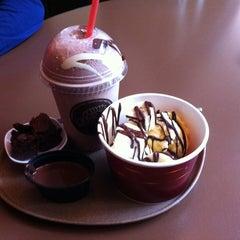 Photo taken at Quetzal - De Chocoladebar by Liesbeth on 10/3/2012