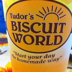 Photo taken at Tudor's Biscuit World by David on 8/28/2014