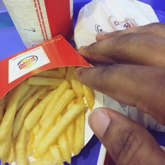 Photo taken at Burger King by Chalcedony J. on 11/15/2015