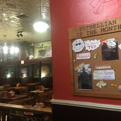 Photo taken at Potbelly Sandwich Shop by Darrin T. on 10/28/2015