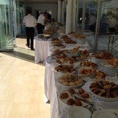 9/23/2012 tarihinde Mustafaziyaretçi tarafından Ala Restaurant ve Spor Tesisi'de çekilen fotoğraf