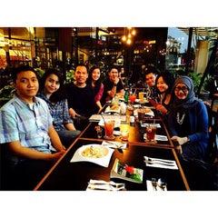 Photo taken at MUNCHIES Dine & Bar by Baginda DoOne S. on 7/15/2015