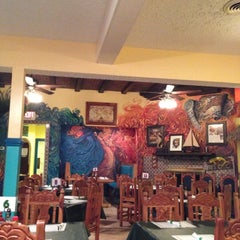 Photo taken at Roastfish & Cornbread by Gary O. on 11/6/2012