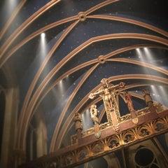 Foto tirada no(a) The Church of St. Mary the Virgin por Don W. em 12/25/2015