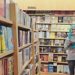 Photo taken at Gramedia by Jidat Y. on 9/15/2015