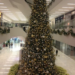 Photo taken at Plaza Carso by Oscar M. on 12/22/2012