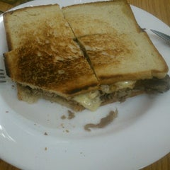 Photo taken at Sandwicheria El sabor de Toñito by Karen C. on 11/7/2012