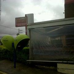 Photo taken at Espetinhos Mimi by Frankie R. on 12/22/2012