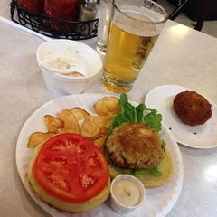 Photo taken at Original Oyster House by Celina on 10/9/2014