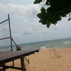 Photo taken at Rattanapura Beach Resort (รัตนปุระ บีช รีสอร์ท) by Ma¥~ApRiL on 3/19/2015