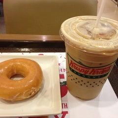 Photo taken at Krispy Kreme (คริสปี้ ครีม) by Biggajoo on 4/11/2013