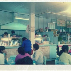Photo taken at Mercado 24 de Agosto by lebairg on 12/11/2011