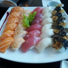 Photo taken at Zen Comida Japonesa by Henio M. on 12/24/2012