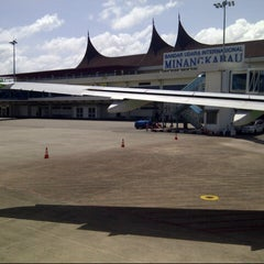 Photo taken at Minangkabau International Airport (PDG) by Balqis N. on 6/18/2013
