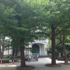 Photo taken at 江東区立 深川図書館 by Kazunori N. on 8/8/2013