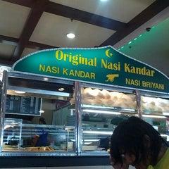 Photo taken at Nasi Kandar Padang Kota by Kasman K. on 12/30/2012