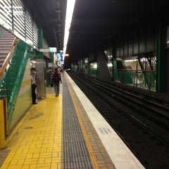 Photo taken at Town Hall Station (Platform 3) by Filipe on 2/11/2013