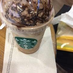 Photo taken at Starbucks (สตาร์บัคส์) by Norfhor N. on 10/3/2015