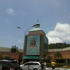 Photo taken at Litoral Plaza Shopping by Michael A. on 12/3/2012