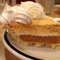 Photo taken at Bob Evans Restaurant by Amber on 9/13/2012