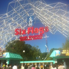 Photo taken at Six Flags Magic Mountain by Mazin on 4/9/2013