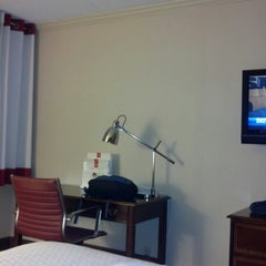 Photo taken at Four Points by Sheraton York by Billy A. on 11/9/2012