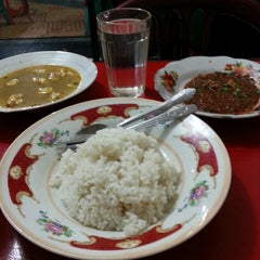 Photo taken at Raja Kuliner by Mulyadi U. on 8/14/2014