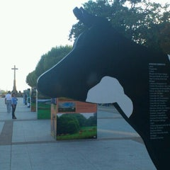 Photo taken at Avenida de Montero Rios by Carabiru B. on 9/19/2012