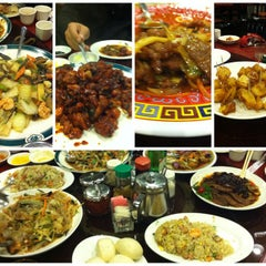 Photo taken at King's Garden Chinese Restaurant by Victor W. on 12/13/2012