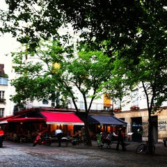 Photo taken at Place du Marché Sainte-Catherine by Richard A. on 4/29/2013