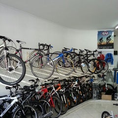 Photo taken at Ciclo Caravelle by Beto R. on 9/22/2012