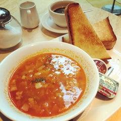 Photo taken at IL-PINOLO CAFFE by gulliverdj on 7/9/2014