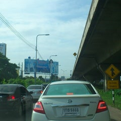 Photo taken at แยกประชานุกูล (Prachanukun Intersection) by Pongsiam S. on 7/18/2013