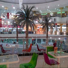 Photo taken at Madina Mall مدينة مول by 🎀Mia🎀 on 12/12/2012