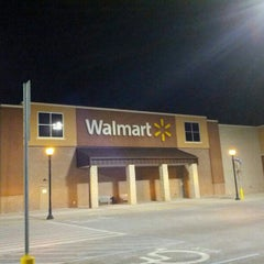 Photo taken at Walmart Supercenter by zeusmannj on 2/18/2013
