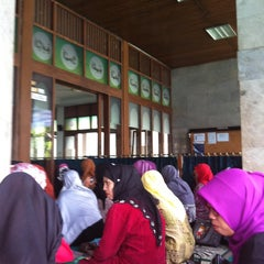 Photo taken at Masjid Al Murosalah by Sally P. on 3/10/2013