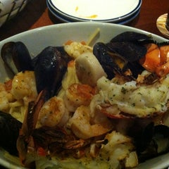 Photo taken at Red Lobster by Mariah W. on 3/6/2013