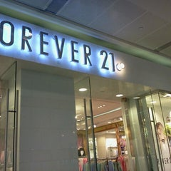 Photo taken at Forever 21 by Salbiah N. on 4/17/2013