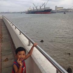 Photo taken at วัดบางหัวเสือ by จิรชน ต. on 4/24/2014