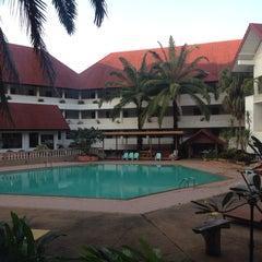 Photo taken at Pailyn Hotel (โรงแรม ไพลิน) by จิรชน ต. on 12/12/2014