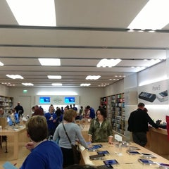 Photo taken at Apple Store, West County by heather marie o. on 1/28/2013