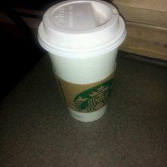 Photo taken at Starbucks by Rey G. on 9/17/2012