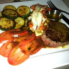 Photo taken at Ruby Tuesday by Mammy on 9/20/2012
