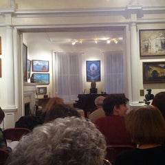 Photo taken at Nicholas Roerich Museum by Xochi A. on 11/9/2013