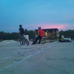 Photo taken at The Jungle Skatepark, Likas by MukGui C. on 9/16/2012