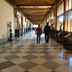 Photo taken at Galleria degli Uffizi by Antonio F. on 3/13/2013