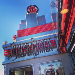 Photo taken at Silver Diner by Mike L. on 1/20/2013