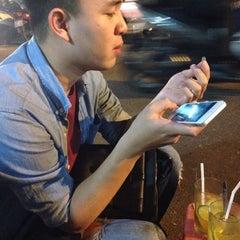 Photo taken at Trà Chanh Đào Duy Từ by Lao on 10/21/2014