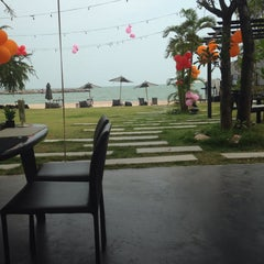 Photo taken at Cher Resort (เฌอ รีสอร์ท) by patikarn m. on 2/13/2015